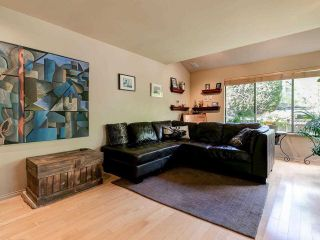 """Photo 3: 4787 DRIFTWOOD Place in Burnaby: Greentree Village Townhouse for sale in """"GreenTree Village"""" (Burnaby South)  : MLS®# R2576696"""