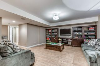 """Photo 15: 18068 70 Avenue in Surrey: Cloverdale BC Condo for sale in """"Provinceton"""" (Cloverdale)  : MLS®# R2186482"""