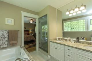 """Photo 11: 33 4001 OLD CLAYBURN Road in Abbotsford: Abbotsford East Townhouse for sale in """"Cedar Springs"""" : MLS®# R2166092"""