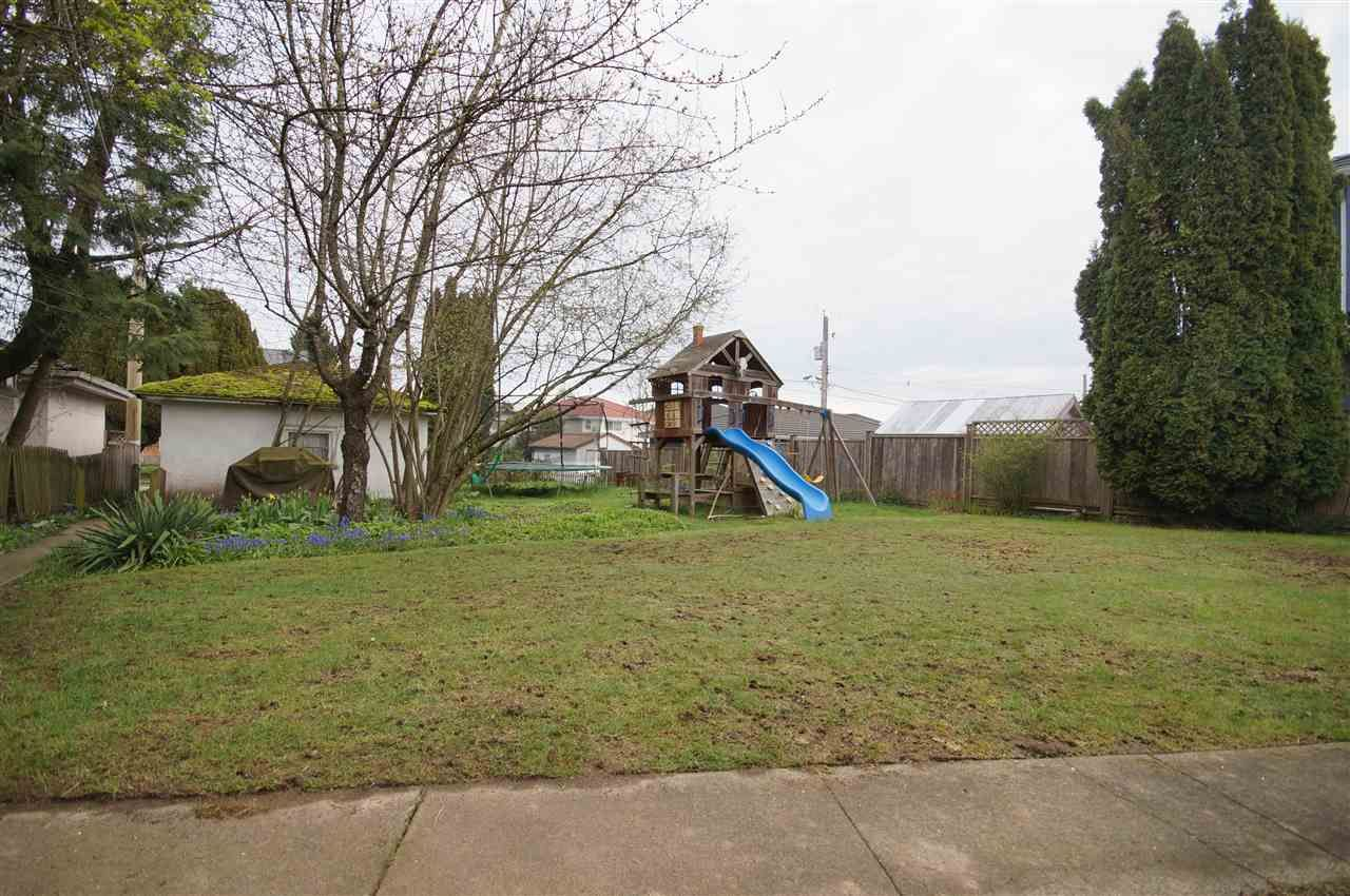 Photo 19: Photos: 2441 E 40TH AVENUE in Vancouver: Collingwood VE House for sale (Vancouver East)  : MLS®# R2051236