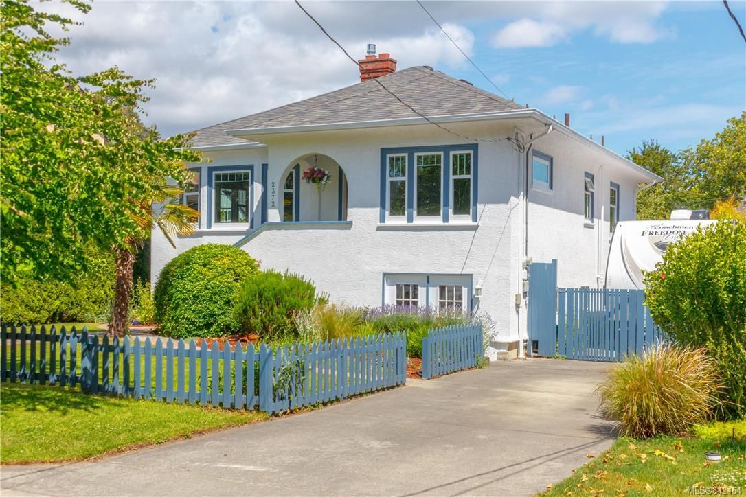 Main Photo: 2372 Zela St in Oak Bay: OB South Oak Bay House for sale : MLS®# 842164
