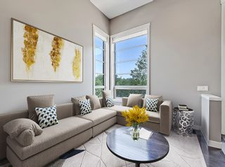 Photo 3: 27 Aspen Hills Common SW in Calgary: Aspen Woods Row/Townhouse for sale : MLS®# A1134206
