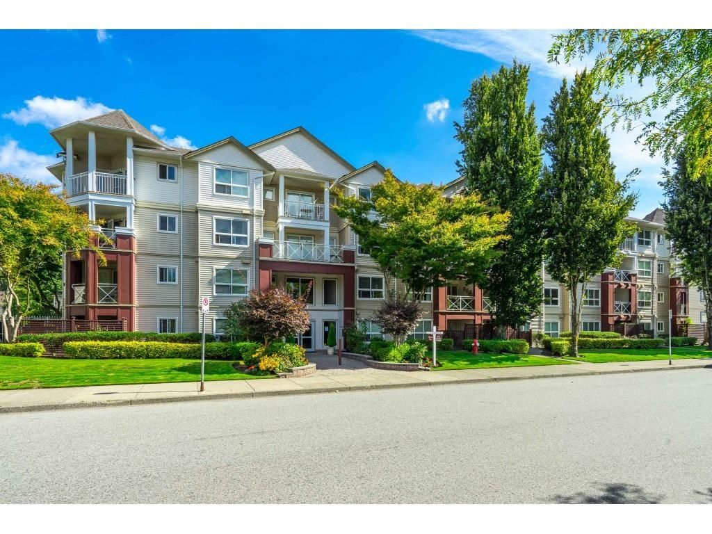 """Main Photo: 403 8068 120A Street in Surrey: Queen Mary Park Surrey Condo for sale in """"MELROSE PLACE"""" : MLS®# R2617788"""