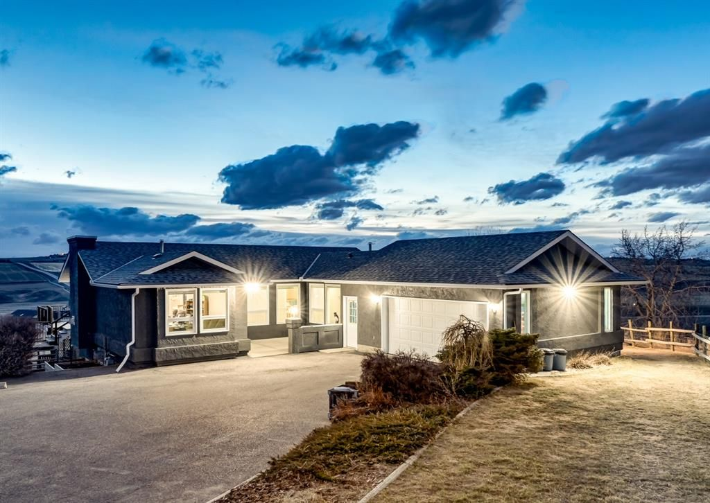 Main Photo: 434027 2 Street E: Rural Foothills County Detached for sale : MLS®# A1092558