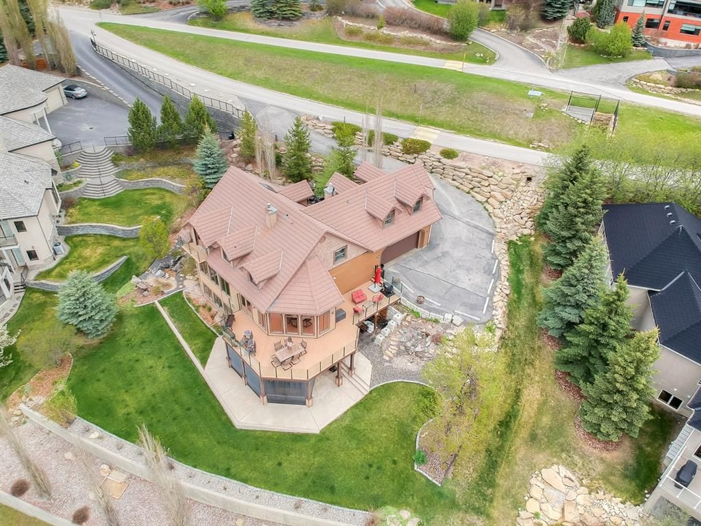 Main Photo: 39 Slopes Grove SW in Calgary: Springbank Hill Detached for sale : MLS®# A1110311