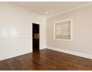 Photo 4: 634 W 17TH ST in North Vancouver: House for sale : MLS®# V868766