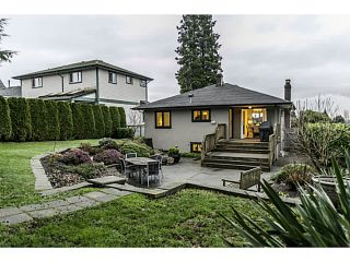 Photo 4: 438 E 17TH ST in North Vancouver: Central Lonsdale House for sale : MLS®# V1102876