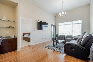 Photo 2: 413 7511 120 Street in Delta: Scottsdale Condo for sale (N. Delta)  : MLS®# R2601065