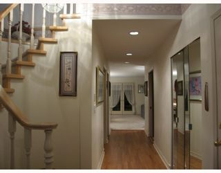 """Photo 2: 17 7711 WILLIAMS Road in Richmond: Broadmoor Townhouse for sale in """"THE GATES"""" : MLS®# V747815"""