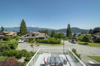 Photo 4: 1181 RUSSELL Avenue in North Vancouver: Indian River House for sale : MLS®# R2478577