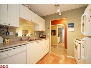 """Photo 6: 215 5765 GLOVER Road in Langley: Langley City Condo for sale in """"COLLEGE COURT"""" : MLS®# F1013966"""