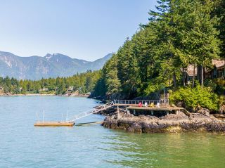 """Photo 31: 370 374 SMUGGLERS COVE Road: Bowen Island House for sale in """"Hood Point"""" : MLS®# R2518143"""