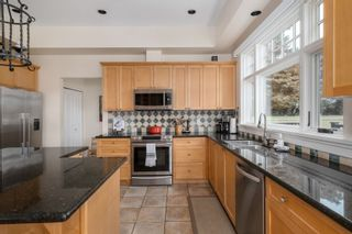 """Photo 13: 130 CARROLL Street in New Westminster: The Heights NW House for sale in """"The Heights"""" : MLS®# R2613864"""