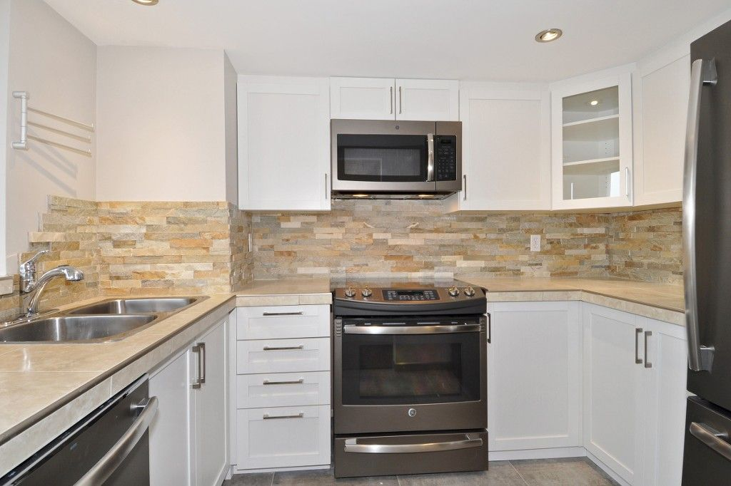 """Photo 7: Photos: PH3 828 AGNES Street in New Westminster: Downtown NW Condo for sale in """"WESTMINSTER TOWERS"""" : MLS®# R2153031"""