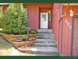 Photo 2: 629 Goldie Ave in : La Thetis Heights House for sale (Langford)  : MLS®# 524650