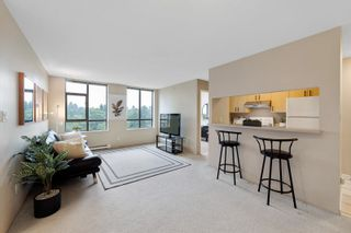 """Photo 3: 706 3520 CROWLEY Drive in Vancouver: Collingwood VE Condo for sale in """"Millenio"""" (Vancouver East)  : MLS®# R2617319"""