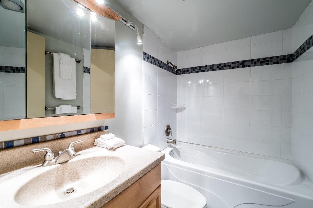 """Photo 17: Photos: 1203 650 16TH Street in West Vancouver: Ambleside Condo for sale in """"Westshore Place"""" : MLS®# R2147302"""