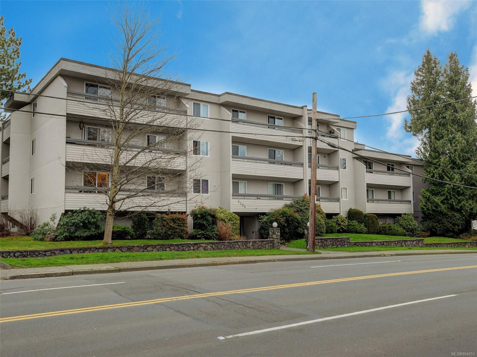 Main Photo: 312 3235 Quadra St in : SE Maplewood Condo for sale (Saanich East)  : MLS®# 864051
