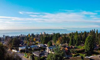 Photo 1: 1490 NELSON Avenue in West Vancouver: Ambleside House for sale : MLS®# R2496332