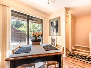 """Photo 5: 4336 GARDEN GROVE Drive in Burnaby: Greentree Village Townhouse for sale in """"GREENTREE VILLAGE"""" (Burnaby South)  : MLS®# R2406422"""