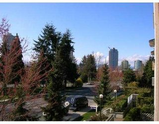 "Photo 5: 208 6676 NELSON Avenue in Burnaby: Metrotown Condo for sale in ""NELSON ON THE PARK"" (Burnaby South)  : MLS®# V796012"