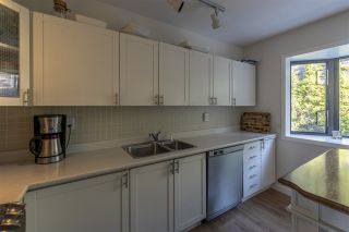 """Photo 12: 428 CROSSCREEK Road: Lions Bay Townhouse for sale in """"Lions Bay"""" (West Vancouver)  : MLS®# R2498583"""