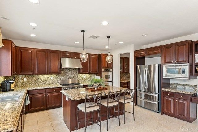 Photo 14: Photos: House for sale : 5 bedrooms : 1171 Adena Way in San Marcos