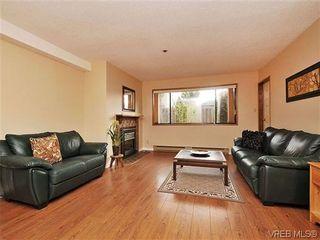 Photo 1: 101 1619 Morrison St in VICTORIA: Vi Jubilee Condo for sale (Victoria)  : MLS®# 632066