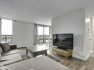 """Photo 2: 1203 2370 W 2ND Avenue in Vancouver: Kitsilano Condo for sale in """"Century House"""" (Vancouver West)  : MLS®# R2625457"""