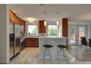 Photo 5: 2028 GLENWOOD Drive SW in Calgary: 3 Level Split for sale : MLS®# C3542268
