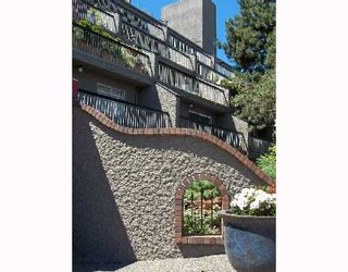 Photo 1: 415 774 GREAT NORTHERN Way in Vancouver: Mount Pleasant VE Condo for sale (Vancouver East)  : MLS®# V651929