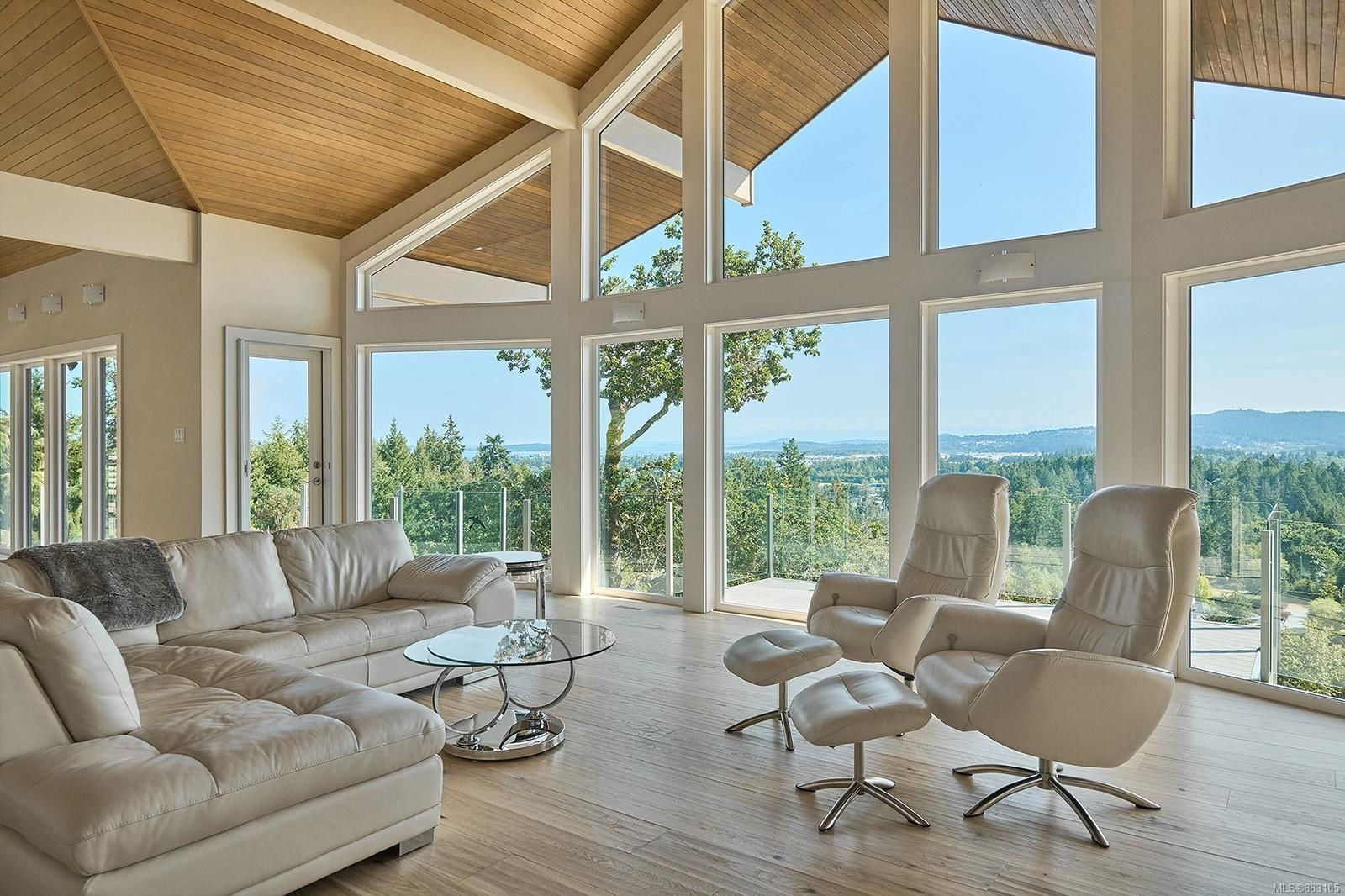 Main Photo: 10977 Greenpark Dr in : NS Swartz Bay House for sale (North Saanich)  : MLS®# 883105