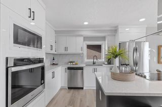 Photo 5: 5832 Silver Ridge Drive NW in Calgary: Silver Springs Detached for sale : MLS®# A1142837
