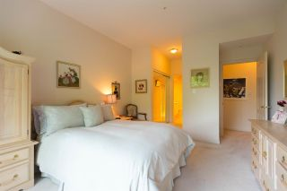"""Photo 14: 301 5262 OAKMOUNT Crescent in Burnaby: Oaklands Condo for sale in """"Sr. Andrews in the Oaklands"""" (Burnaby South)  : MLS®# R2271001"""