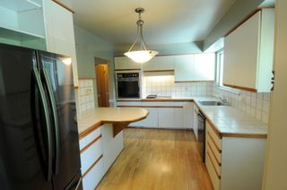 Photo 8: 1530 MERLYNN CRESCENT in North Vancouver: Westlynn House for sale : MLS®# R2392426