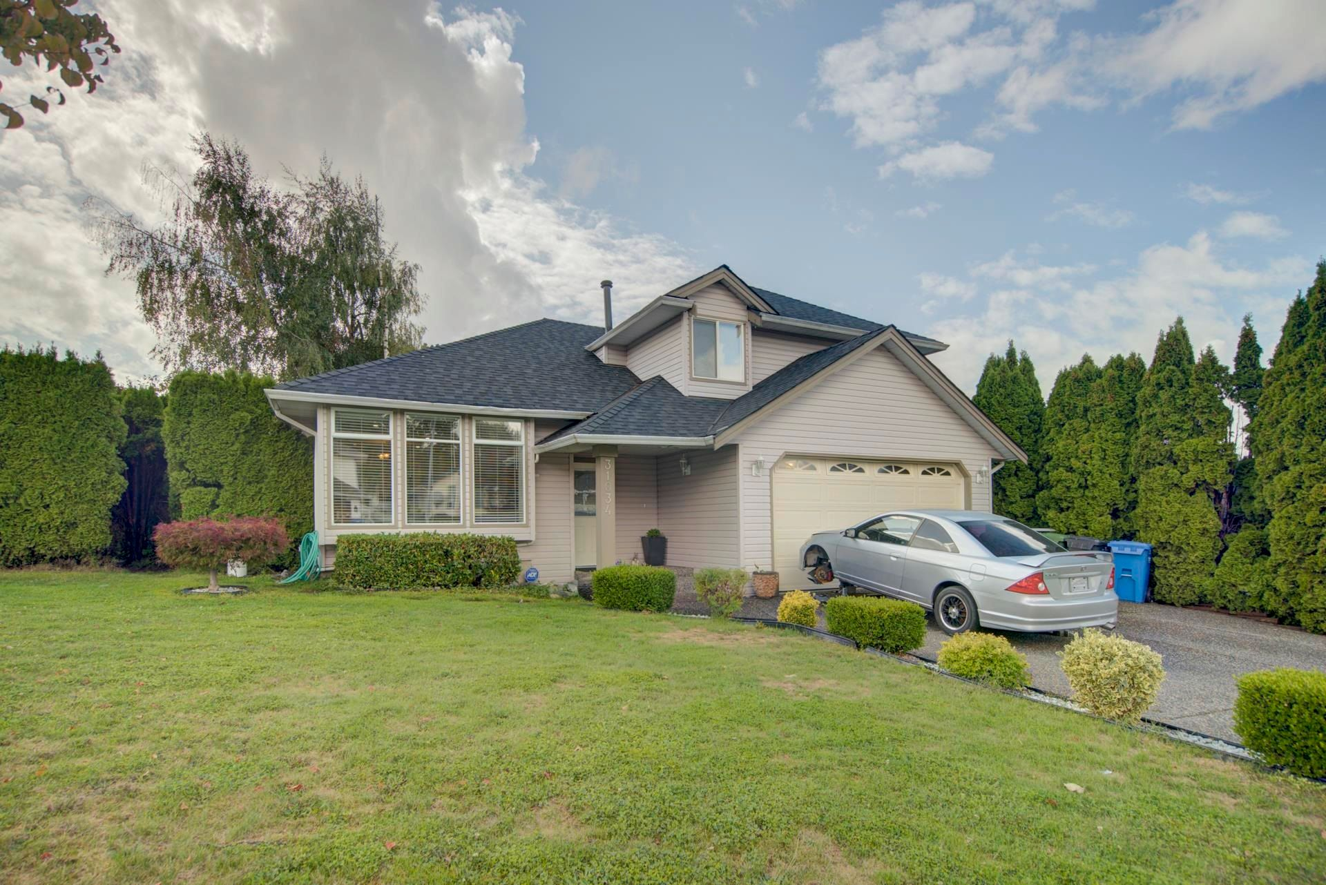 Main Photo: 31034 SIDONI Avenue in Abbotsford: Abbotsford West House for sale : MLS®# R2619617