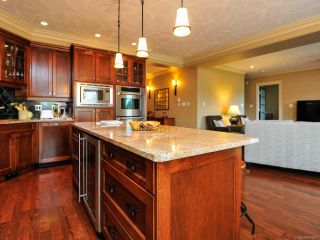 Photo 17: 324 3666 ROYAL VISTA Way in COURTENAY: CV Crown Isle Condo for sale (Comox Valley)  : MLS®# 784611