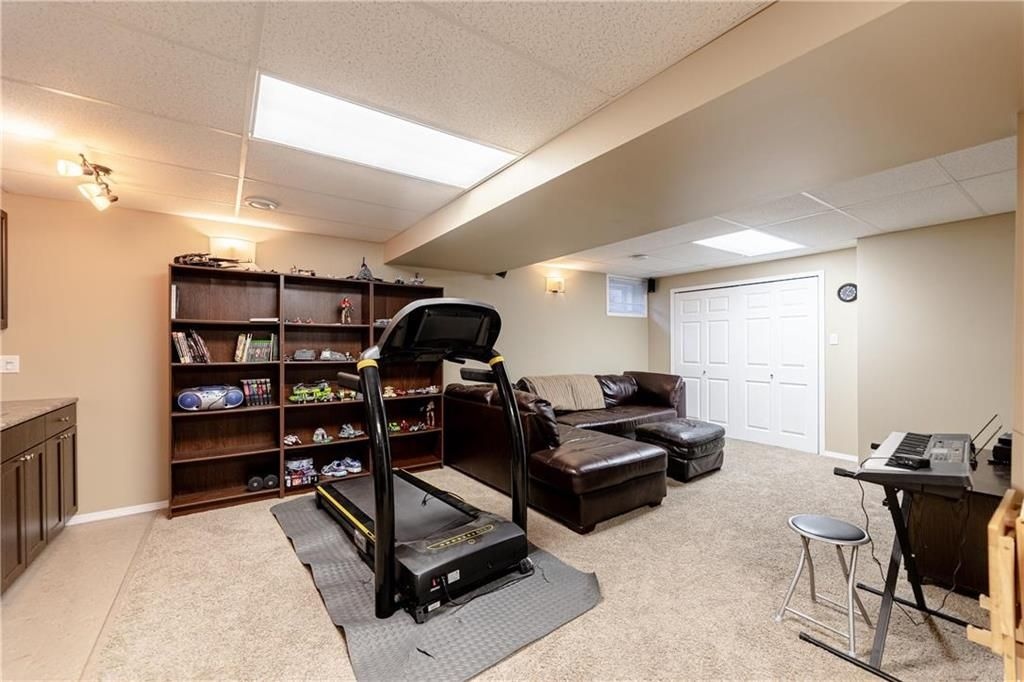 Photo 25: Photos: 20 PENROSE Crescent in Steinbach: R16 Residential for sale : MLS®# 202107867