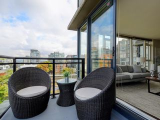 "Photo 19: 906 1650 W 7TH Avenue in Vancouver: Fairview VW Condo for sale in ""Virtu"" (Vancouver West)  : MLS®# R2307388"
