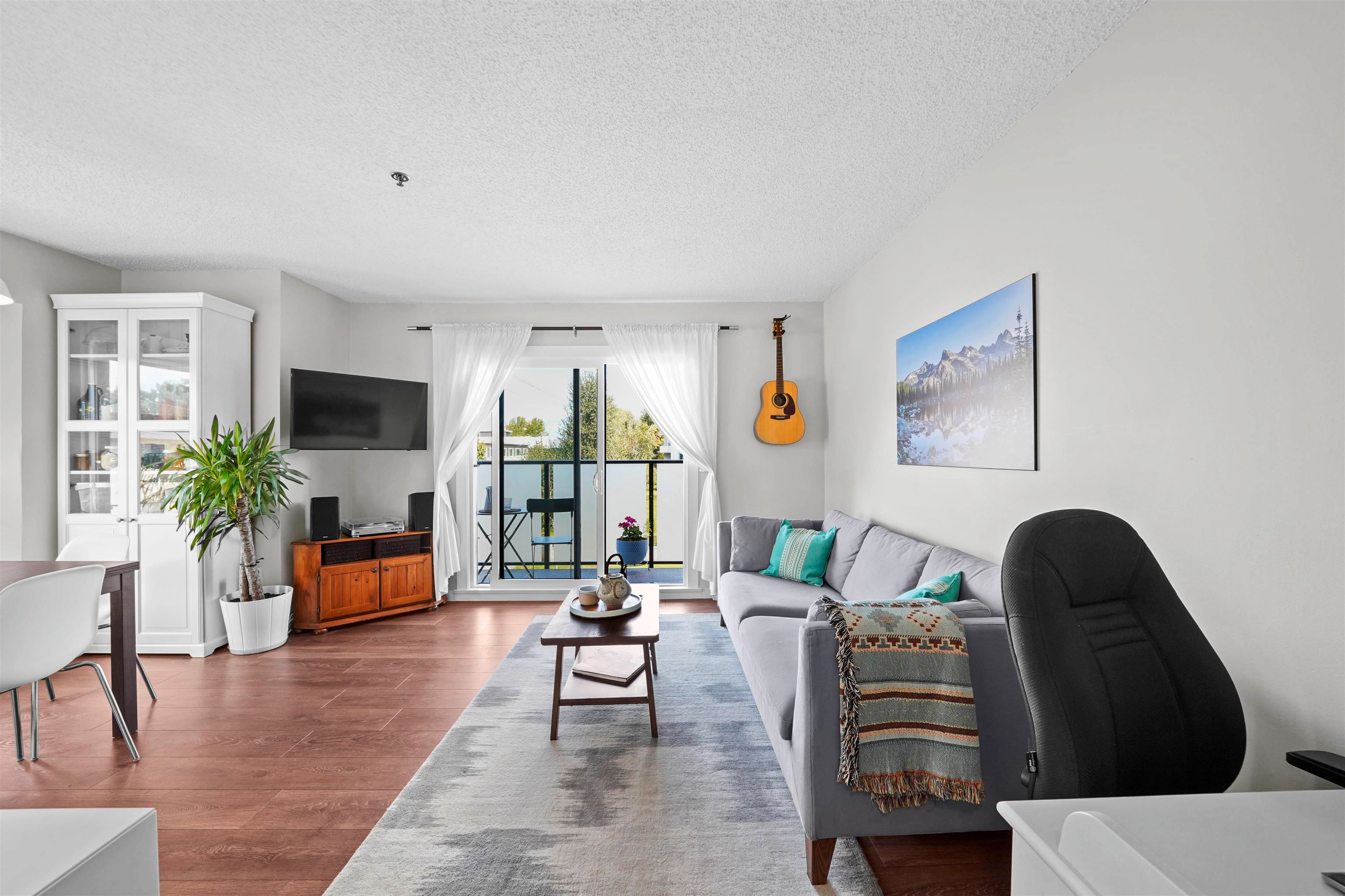 Main Photo: 206 1205 W 14TH Avenue in Vancouver: Fairview VW Townhouse for sale (Vancouver West)  : MLS®# R2614361