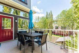 Photo 11: 53 Crestmont Drive SW in Calgary: Crestmont Detached for sale : MLS®# A1118575