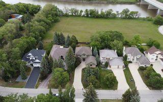 Photo 2: 1076 Kilkenny Drive in Winnipeg: Fort Richmond Residential for sale (1K)  : MLS®# 202115514