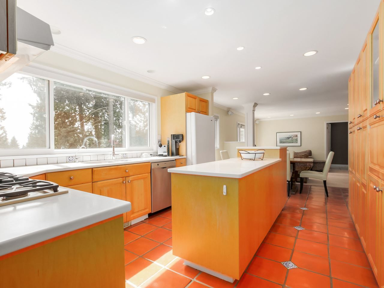 """Photo 8: Photos: 5153 SARITA Place in North Vancouver: Canyon Heights NV House for sale in """"Canyon Heights"""" : MLS®# R2055631"""