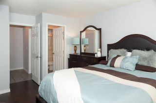 """Photo 11: 35 20761 TELEGRAPH Trail in Langley: Walnut Grove Townhouse for sale in """"Woodbridge"""" : MLS®# R2451466"""