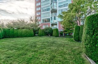 """Photo 3: 802 130 E 2ND Street in North Vancouver: Central Lonsdale Condo for sale in """"The Olympic"""" : MLS®# R2615870"""