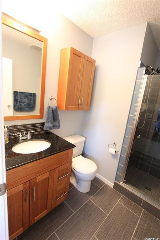 Photo 19: Photos: 233 Lorne Street West in Swift Current: North West Residential for sale : MLS®# SK825782