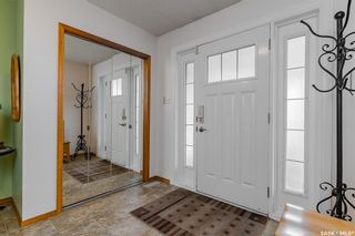Photo 3: 239 Whiteswan Drive in Saskatoon: Lawson Heights Residential for sale : MLS®# SK852555