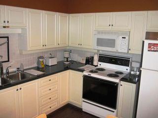 """Photo 3: 307 33731 MARSHALL Road in Abbotsford: Central Abbotsford Condo for sale in """"STEPHANIE PLACE"""" : MLS®# F1028827"""