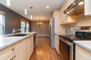 Photo 5: 13 95 Talcott Rd in : VR Hospital Row/Townhouse for sale (View Royal)  : MLS®# 872063