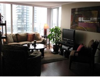 """Photo 2: 2101 1438 RICHARDS Street in Vancouver: False Creek North Condo for sale in """"AZUR 1"""" (Vancouver West)  : MLS®# V808146"""